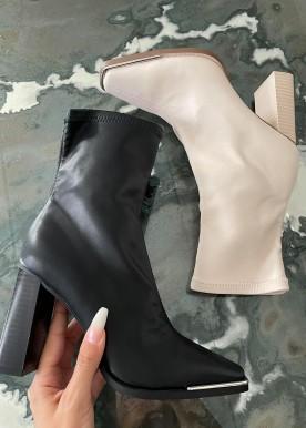 sannie boot black