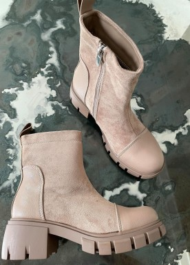 smilla nude boot