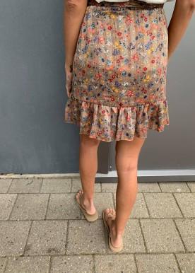 Bellis flower skirt