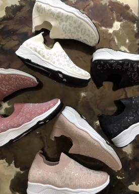 Thea black sneakers