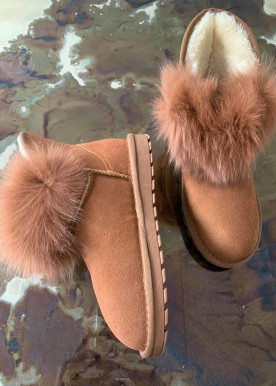 lola boot camel