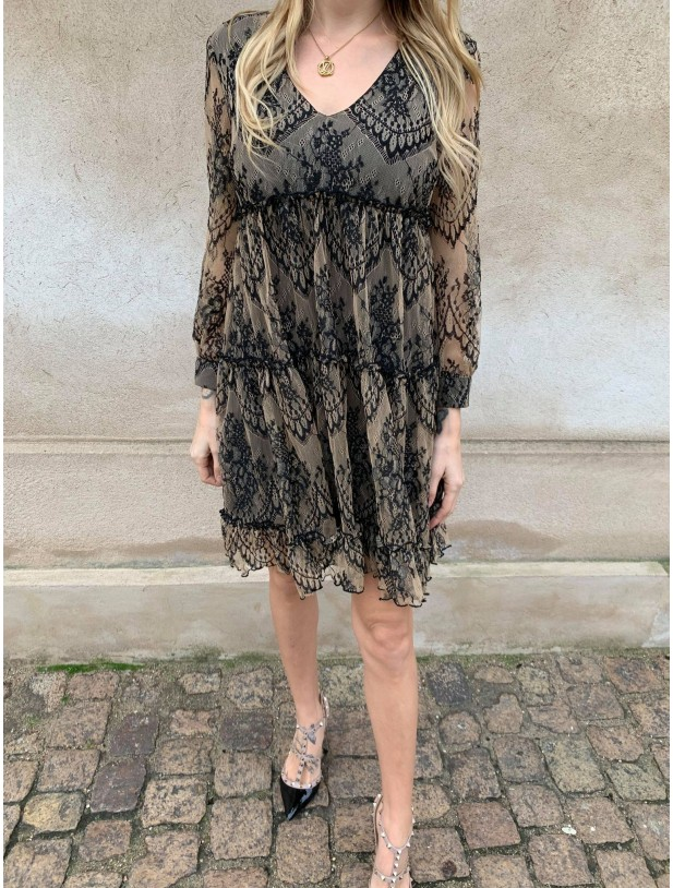 Alva blonde dress