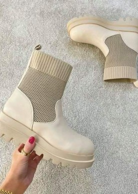 LG boots nude