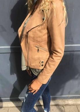 saga jakke brun