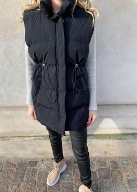 icy vest black